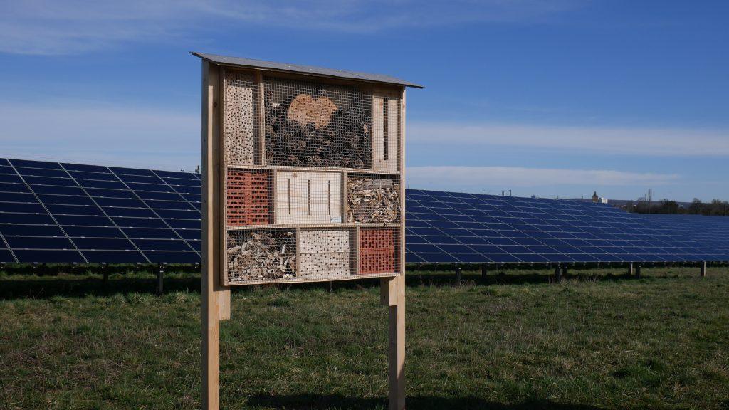 Die Photovoltaik-Freiflächenanlage in Schweinfurt