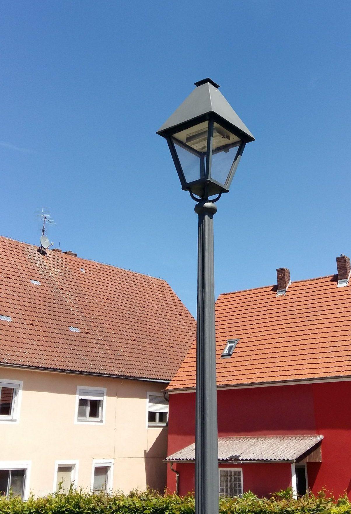 Die Straßenbeleuchtung in Rednitzhembach.